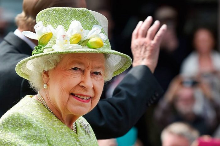 01-amazing-facts-queen-elizabeth-8451457k-Andy-RainEpaREXShutterstock