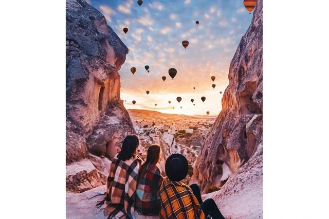 02-Photographer-Captures-the-Most-Breathtaking-Air-Balloon-Shots-You'll-Ever-See