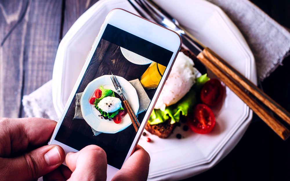 13 Tricks for Taking Instagram-Worthy Food Photos on Your Smartphone