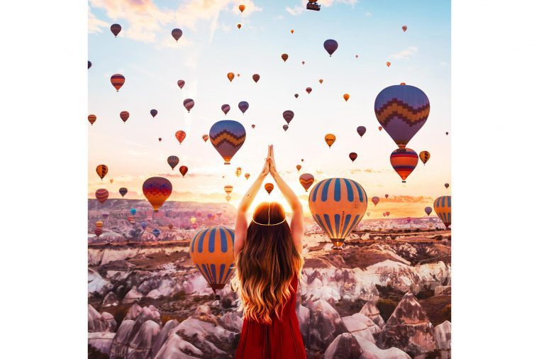 04-Photographer-Captures-the-Most-Breathtaking-Air-Balloon-Shots-You'll-Ever-See