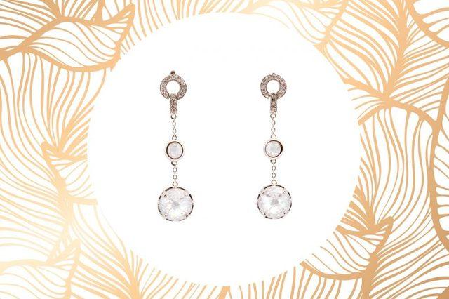 04-the-best-earrings-for-face-shape-52405804-Nikuwka
