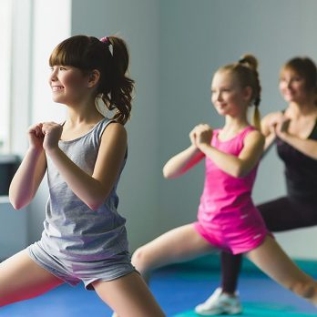 7 Healthy Reasons Your Child Should Be Doing Yoga