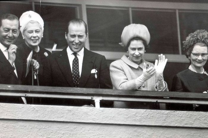 08-amazing-facts-queen-elizabeth-895637a-Daily-MailREXShutterstock