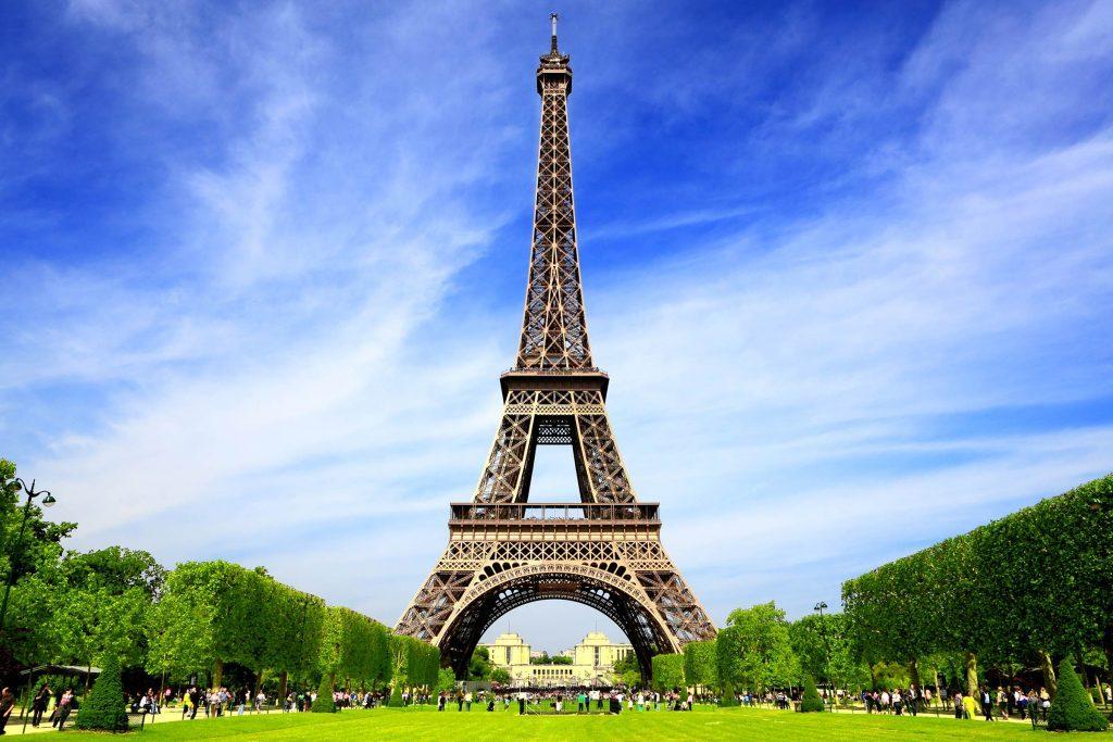 16_Eiffel_shutterstock_125112029