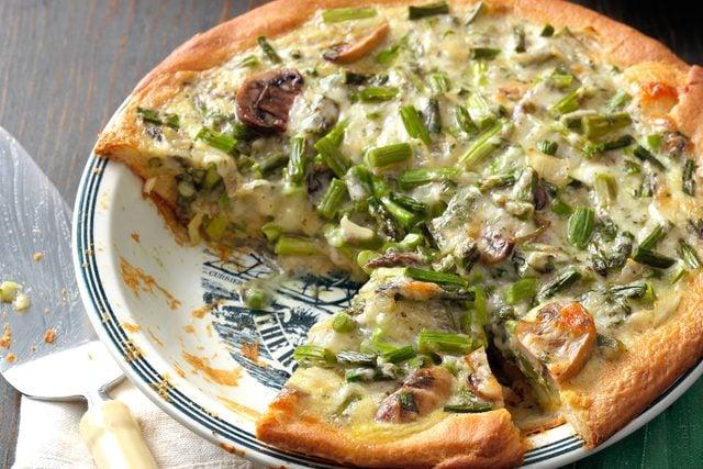 St.-Patrick's-Day-Recipes-MushroomAsparagusQuiche