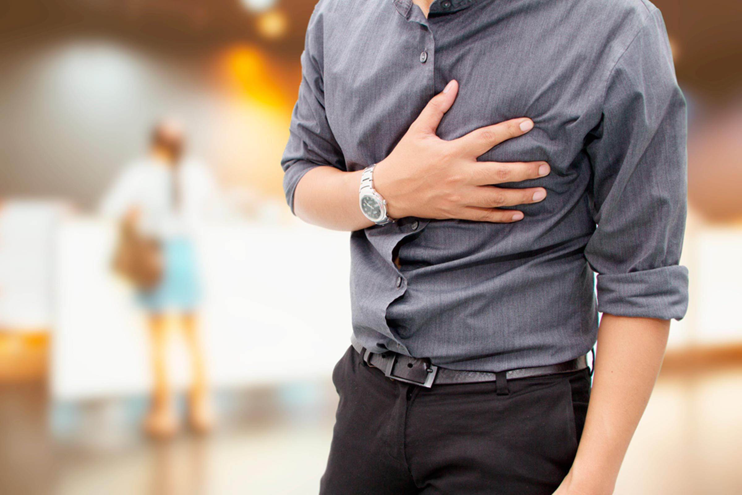 Scary Chest Pains You Might Mistake For a Heart Attack | Reader's Digest