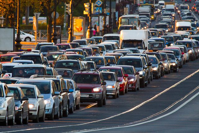 This-is-How-Much-Money-It-Costs-You-to-Sit-in-Traffic