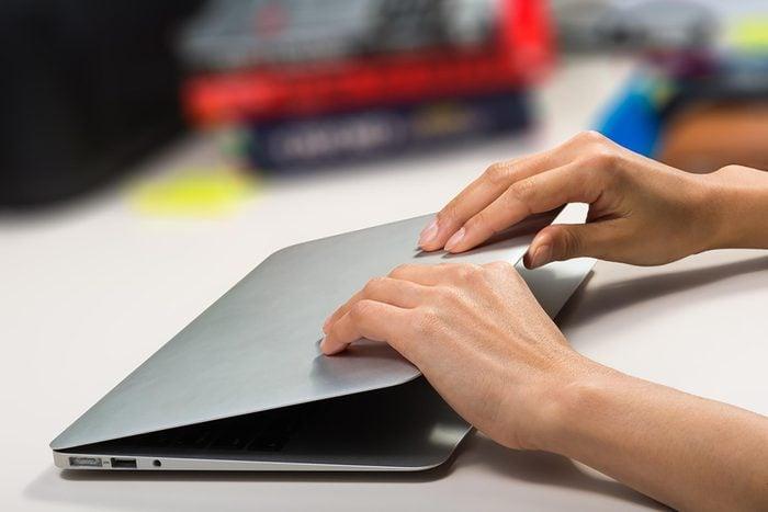 laptopclosing