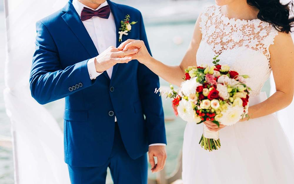 Vow Renewal Etiquette 12 Dos And Don Ts You Need To Follow Reader S Digest