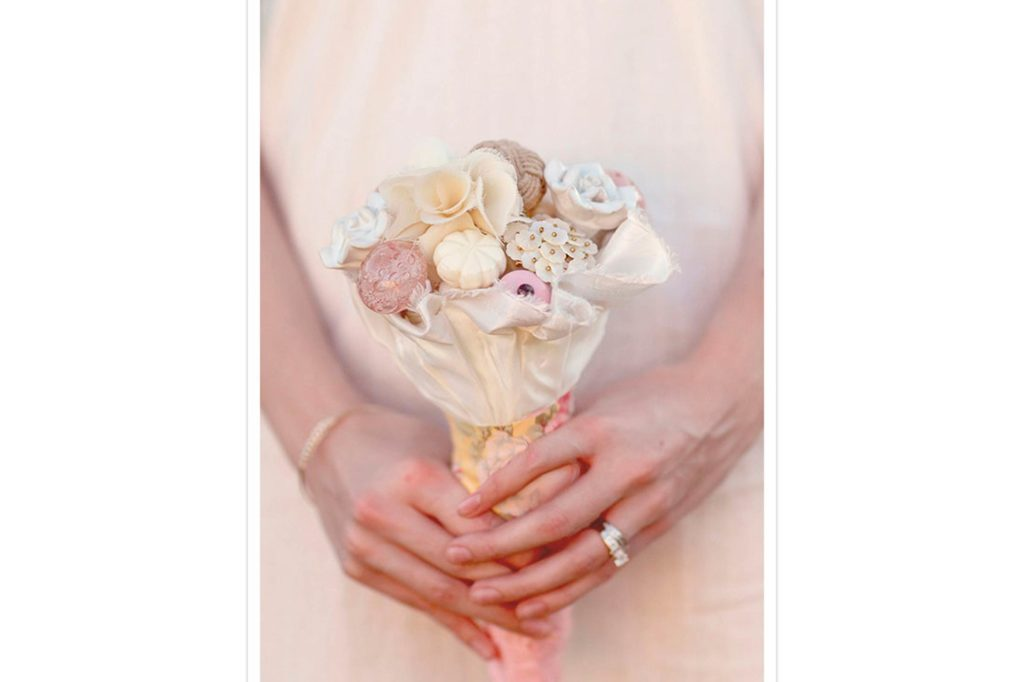 07-knob-Wedding-Bouquets-that-Don't-Need-Flowers-to-Be-Gorgeous