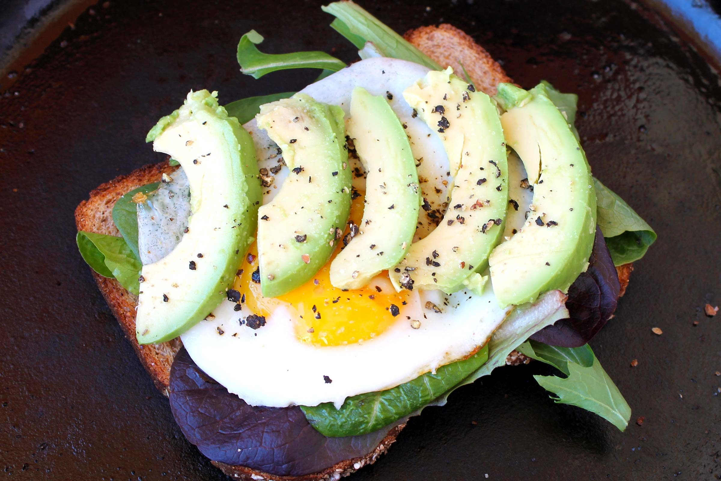 Fried-Egg-&-Avocado-Sandwich