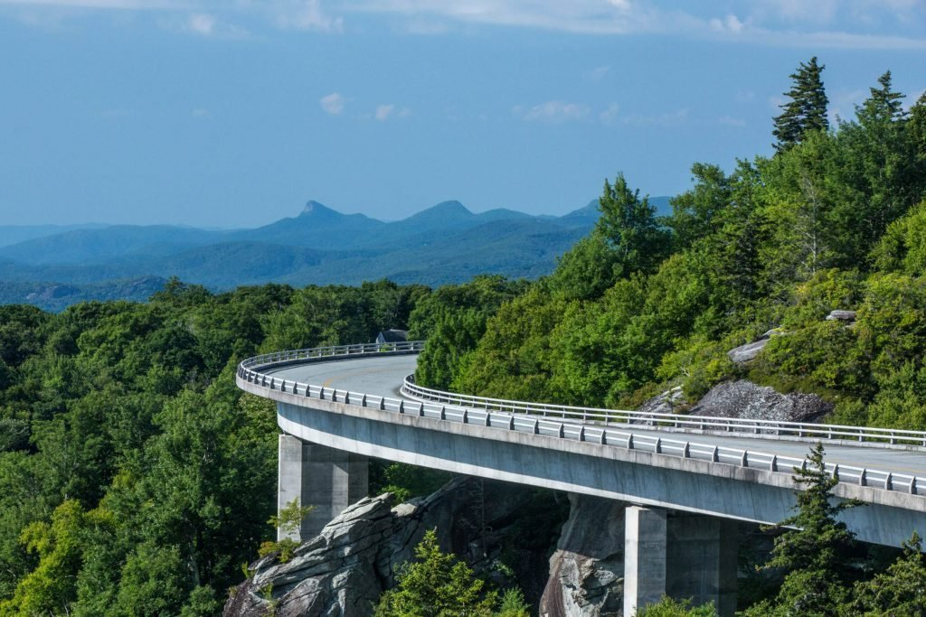 33_Linn-Cove-Viaduct-Blue-Ridge-Parkway-at-Grandfather-Mountain