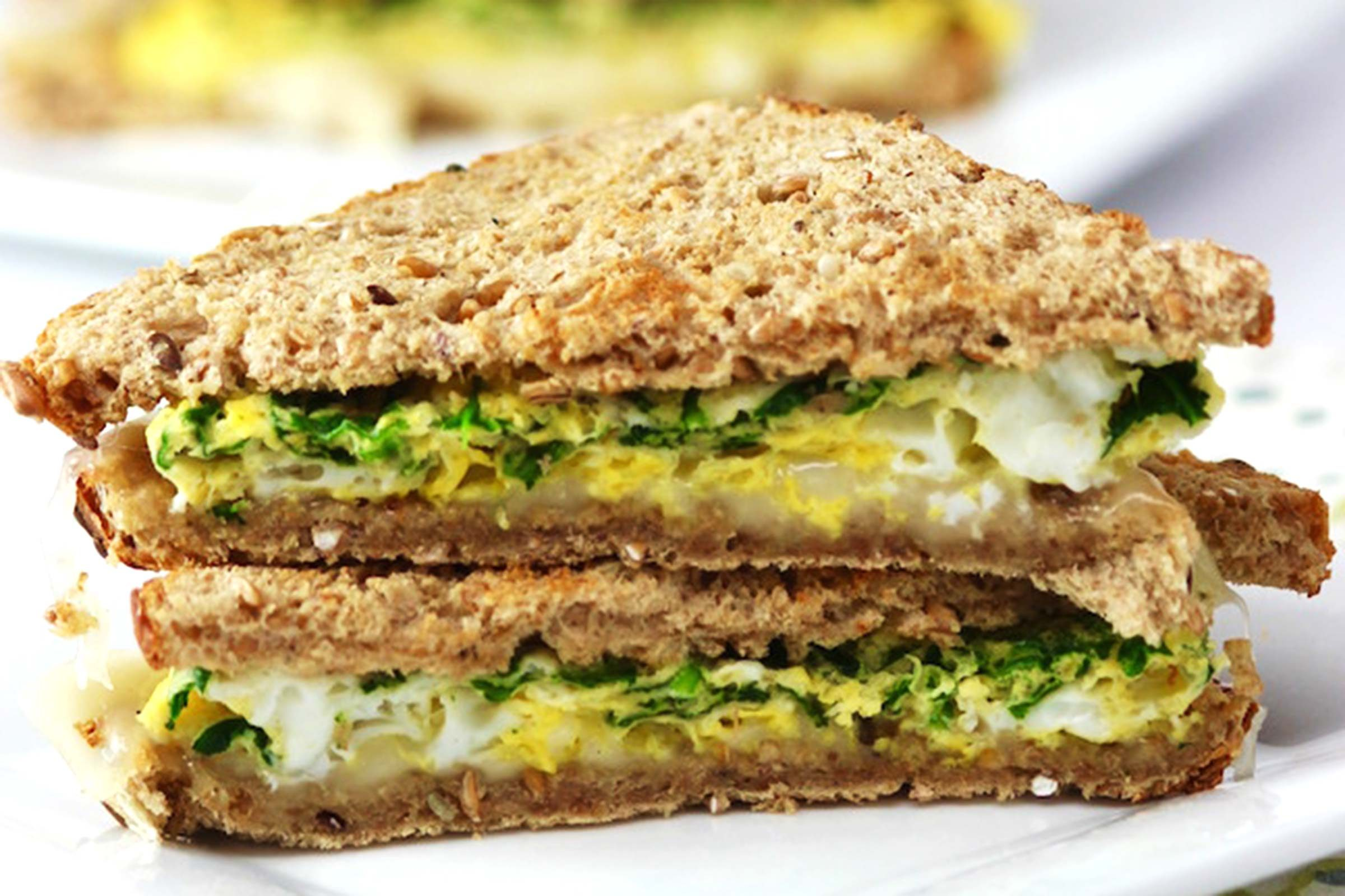 Easy-Spinach-Egg-Sandwich