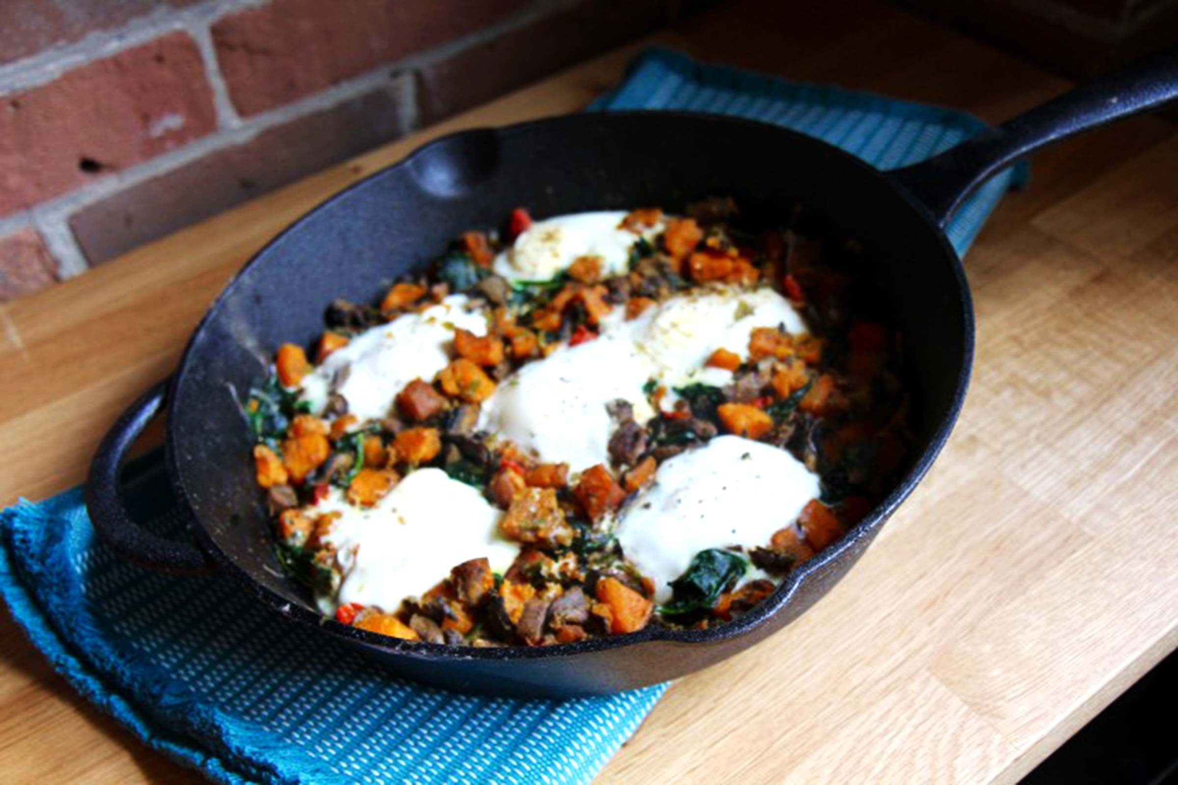 Sweet-Potato-Egg-Skillet-with-Spinach-&-Mushrooms