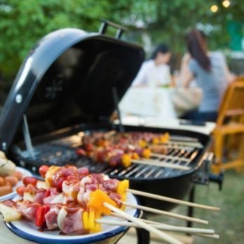 9 Foods You Should Never, Ever Eat at a Barbecue