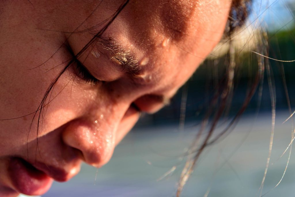 What's-the-Difference-Between-Heat-Exhaustion-and-Heat-Stroke