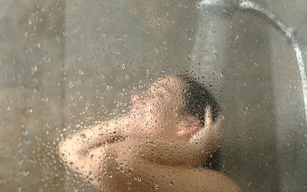 The Surprising Reason the Best Ideas Come to You in the Shower