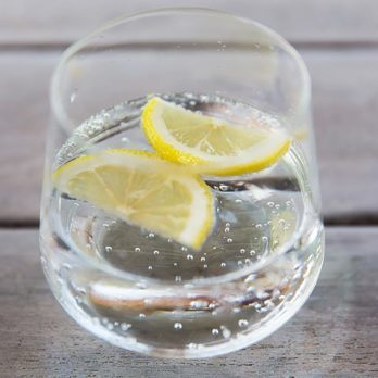 What's the Difference Between Club Soda, Seltzer Water, and Tonic Water?
