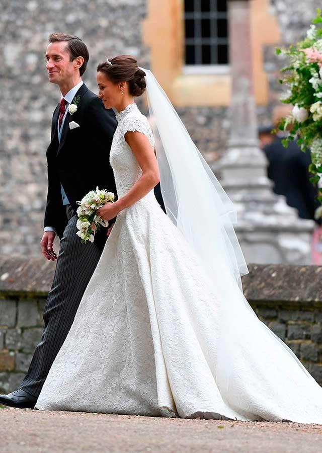 Wedding photos pippa middleton and james matthews for Wedding dress like pippa middleton