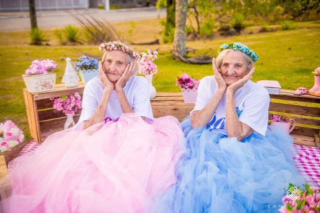 04-These-Twins-Celebrating-Their-100th-Birthday