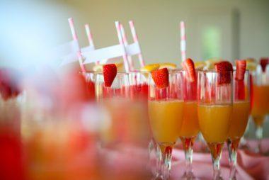 06-drinks-Easy-Mothers-Day-Brunch-Ideas-230664724-Tobin-C