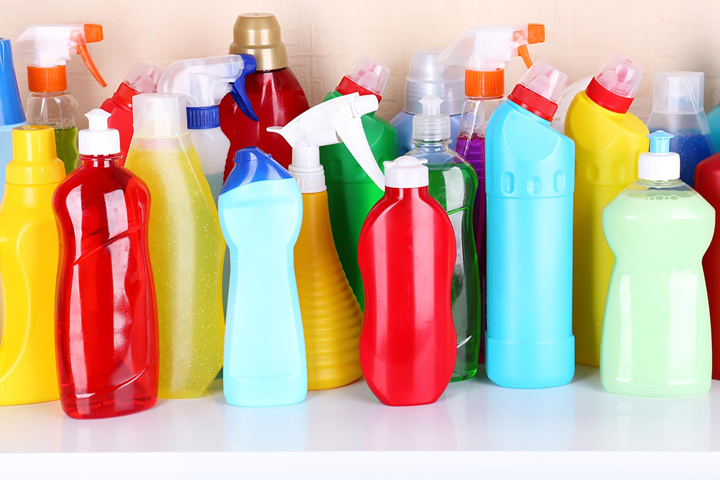 Cleaning Products You Should Never Mix | Reader's Digest