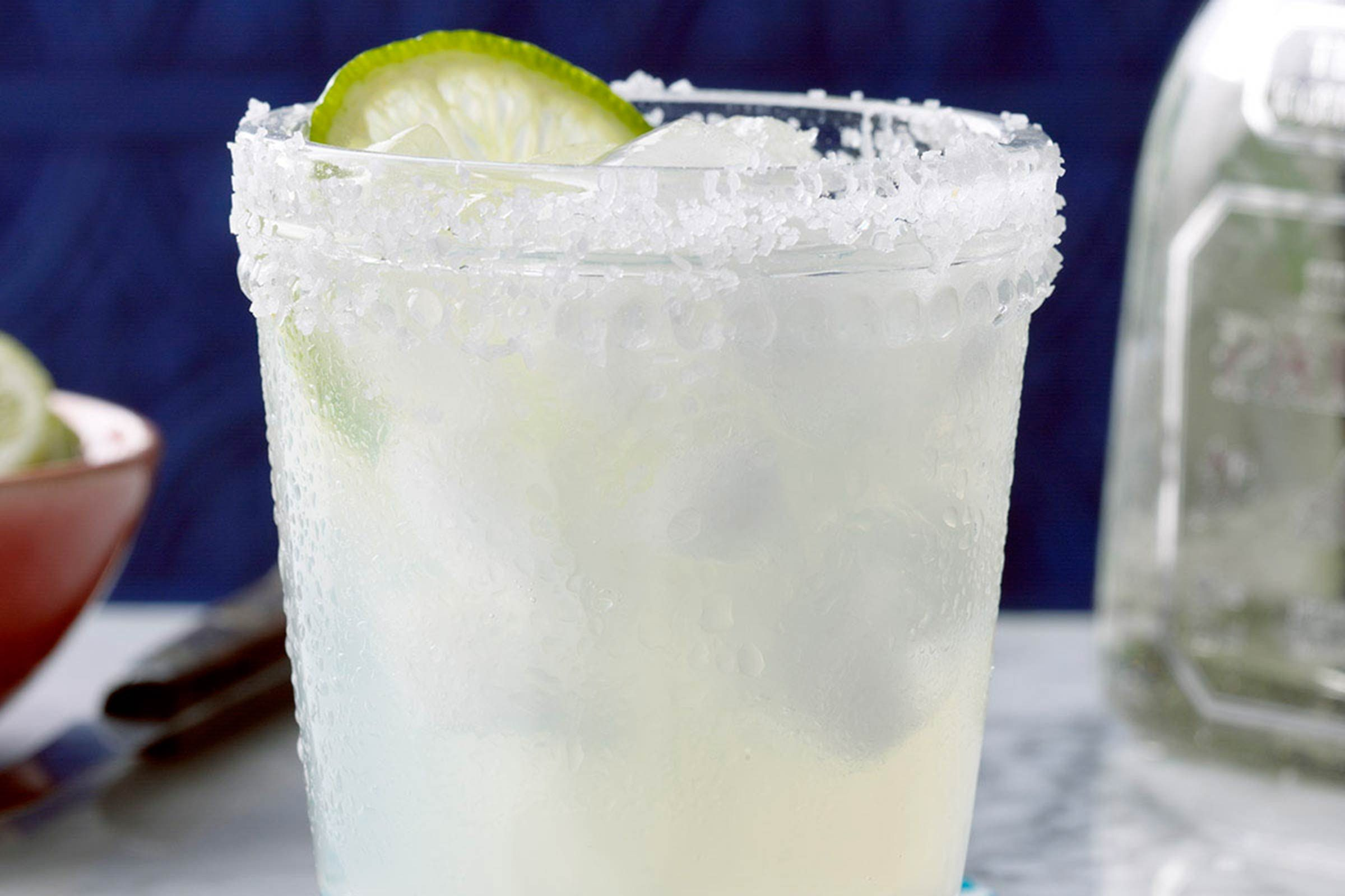 27-easy-mexican-recipes-FreshLimeMargarita
