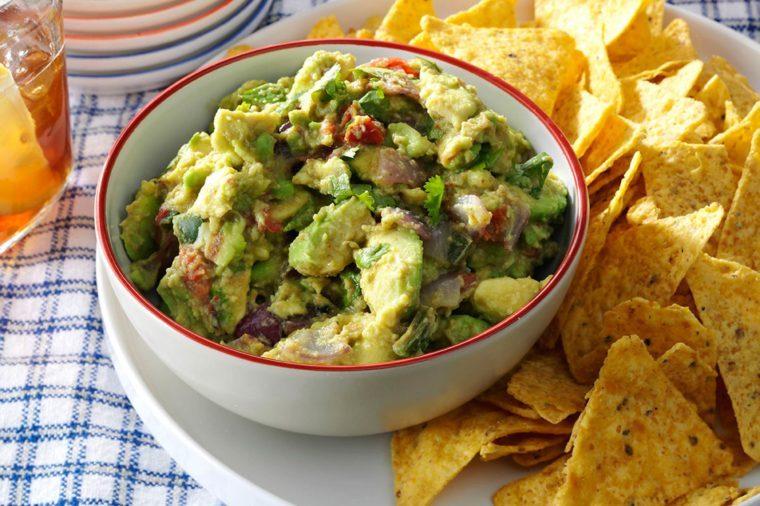 31-easy-mexican-recipes-GrilledGuacamole