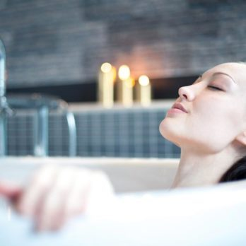 Never, Ever Take a Bath in a Hotel Tub—and 5 Other Vacation Don'ts