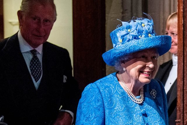 01-Can-You-Guess-the-Secret-(and-Shocking!)-Signal-Queen-Elizabeth-Just-Sent-With-Her-Hat--8874412a-James-GourleyREXShutterstock
