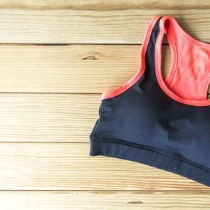 This-One-Simple-Tip-Will-Make-Your-Sports-Bras-Last-WAY-Longer