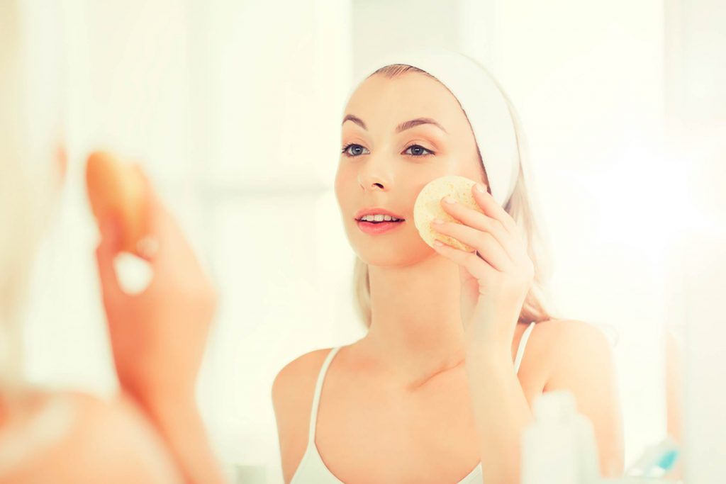 02-Surprising-Beauty-Benefits-of-Apple-Cider-Vinegar-643429345-Syda-Productions
