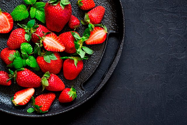 This-One-Simple-Hack-Will-Make-Your-Strawberries-Last-Longer