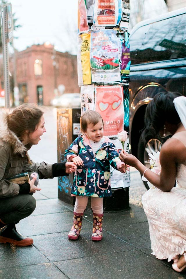 04-This-Little-Girl-Thought-This-Bride-Was-a-Princess,-and-Her-Reaction-is-Precious-Courtesy-stephanie-cristalli-photography