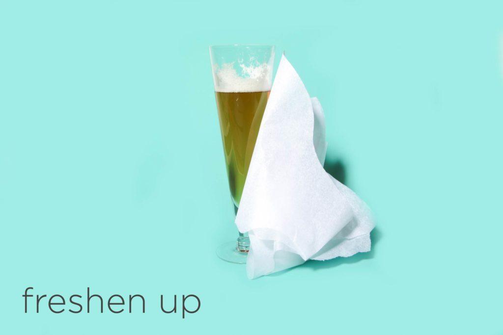 05-freshen-hacks-beauty-pros-swear-by-desk-happy-hour-Matthew-Cohenrd.com.