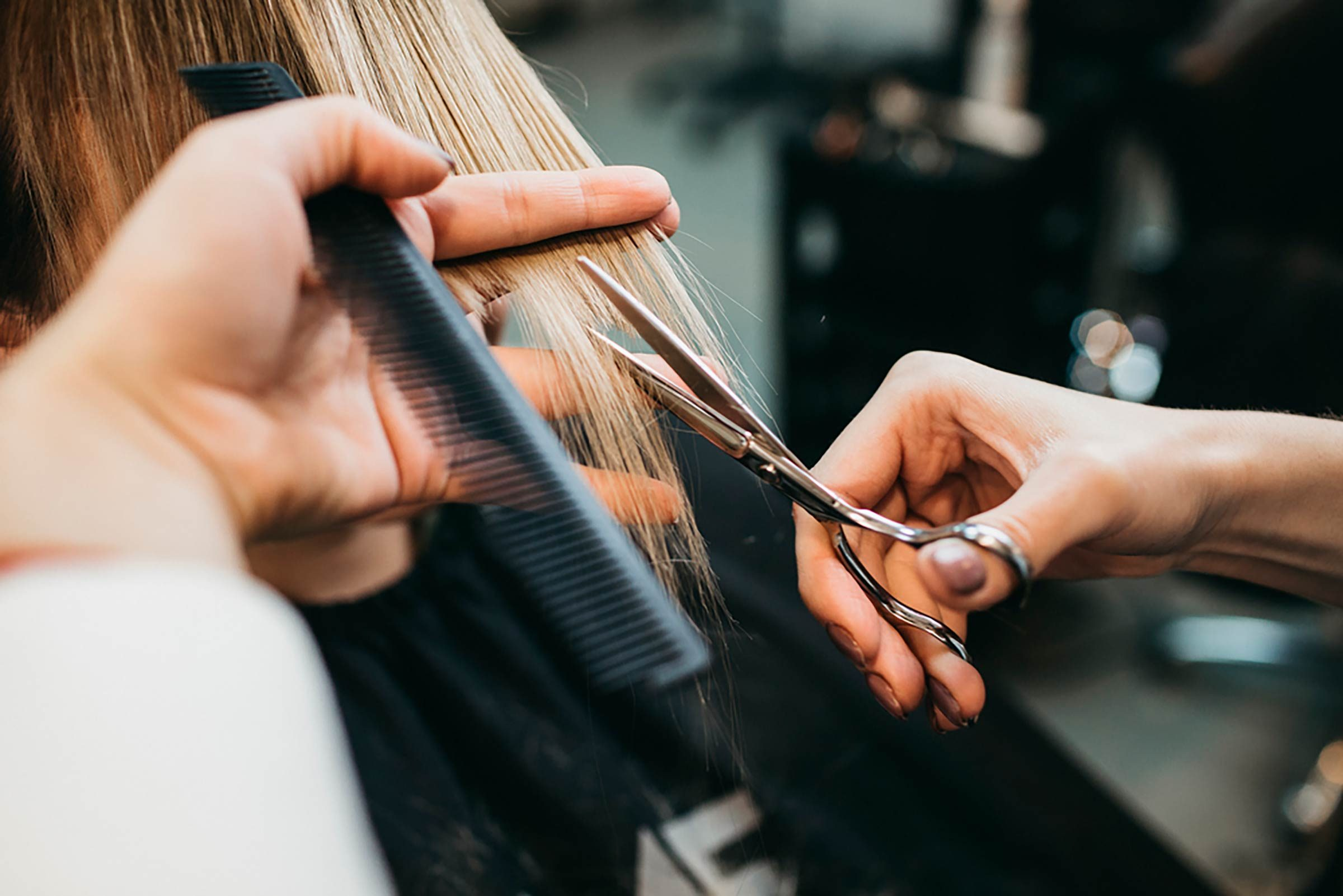 07-If-You-Have-Fine-Hair,-We're-Begging-You-to-Stop-Making-These-9-Styling-Mistakes-532148356-t.max