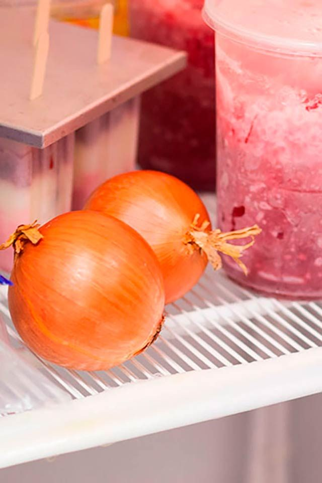 07-chop-an-onion-without-crying-TOH