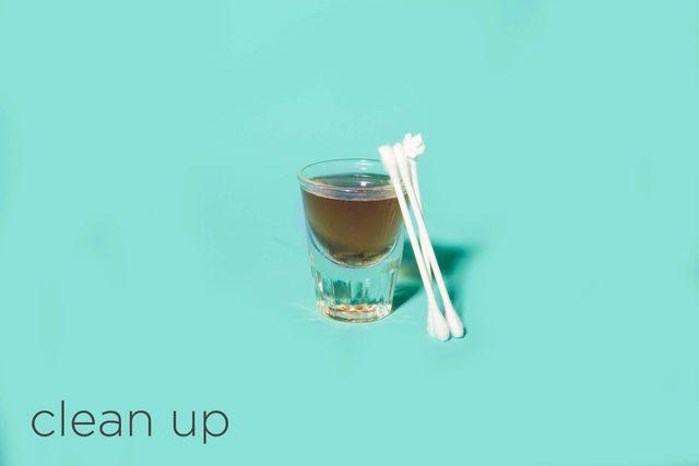 07-clean-hacks-beauty-pros-swear-by-desk-happy-hour-Matthew-Cohenrd.com
