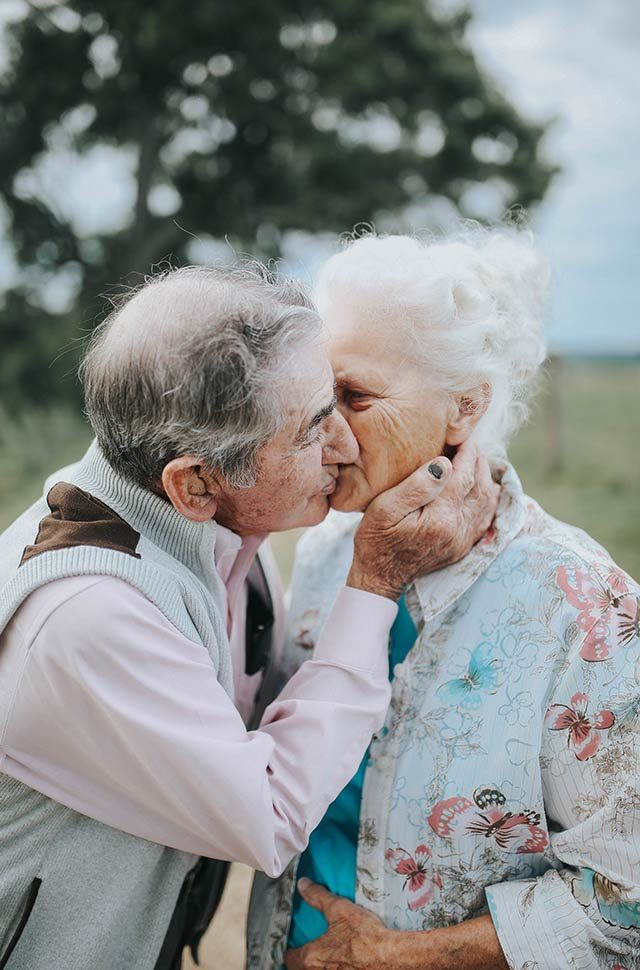 07-this-couples-68th-wedding-anniversary-photoshoot-courtesy-paigefranklinphotography.com