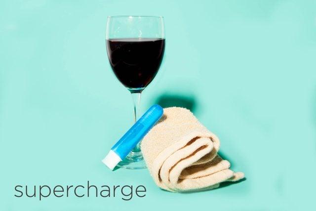 08-supercharge-hacks-beauty-pros-swear-by-desk-happy-hour-Matthew-Cohenrd.com