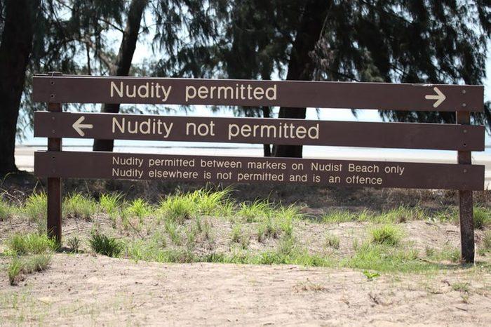 nuditysign