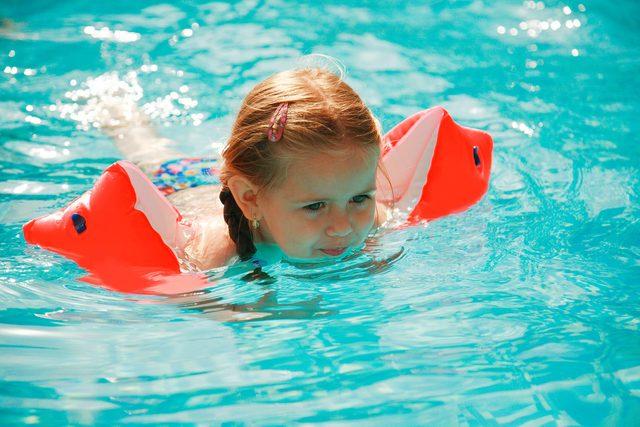 The-Surprising-Reason-Why-Lifeguards-HATE-Water-Wings-4361611-Ingrid-Balabanova