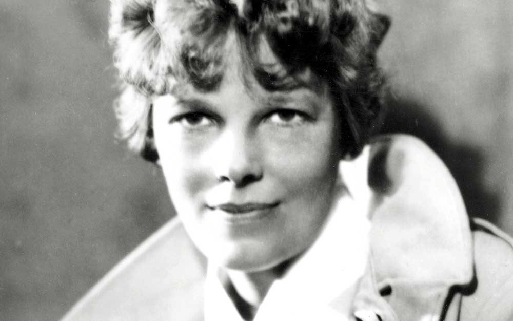 This-Never-Before-Seen-Photo-Might-Contain-Clues-Behind-Amelia-Earhart's-Disappearance