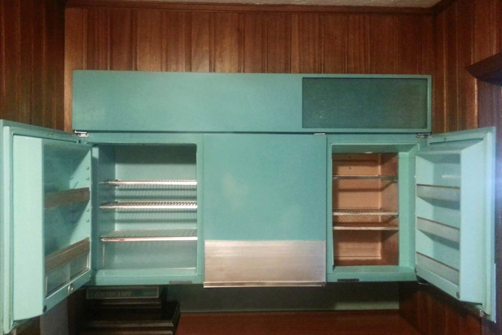 Colorfully Retro Kitchen Appliances We Wish Would Come Back Into - Retro-kitchen-design-you-never-seen-before