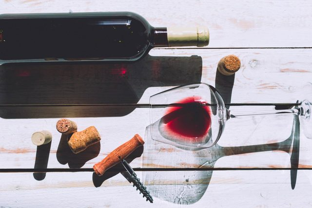Science-Says-THIS-is-the-Best-Type-of-Wine-to-Sip-on-a-Date