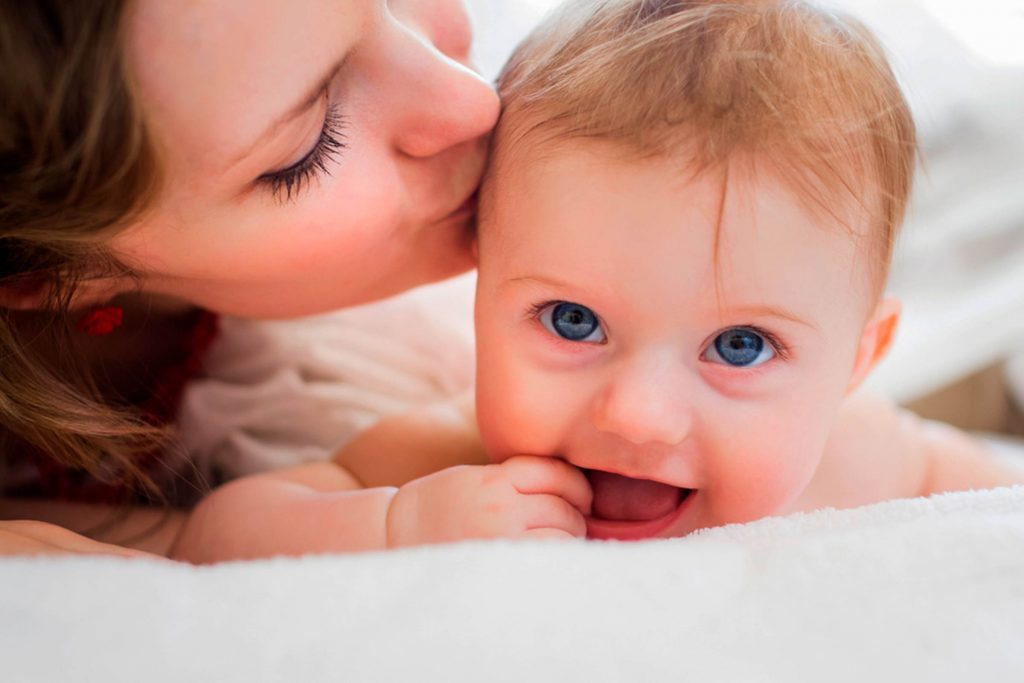 The-Scary-Reason-You-Should-Never-Let-Anyone-Kiss-Your-Baby