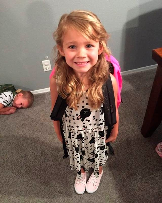02-3486786411--Hilarious-Back-to-School-Photos-Bound-to-Leave-Parents-in-Stitches-AwkwardFamilyPhotos.com