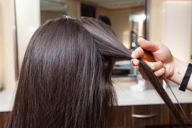 02-A-Step-By-Step-Guide-to-Mastering-the-Waterfall-Braid-Matthew-CohenRd.com