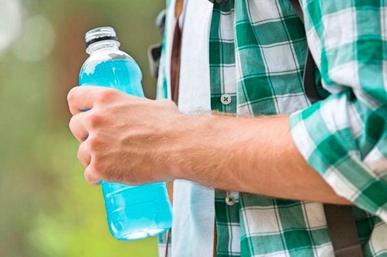Máš rád energetické nápoje? Čo sa ale potom deje s tvojím telom?