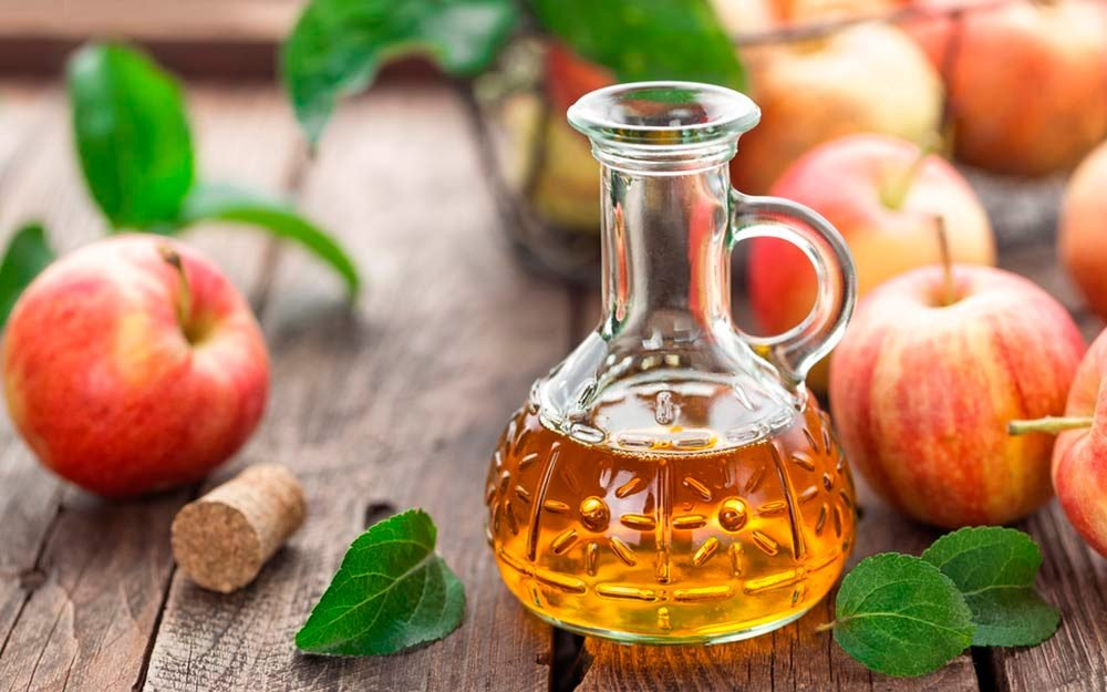 02-same-Myths-About-Apple-Cider-Vinegar-You-Need-to-Stop-Believing_499364191-Sea-Wave-ft